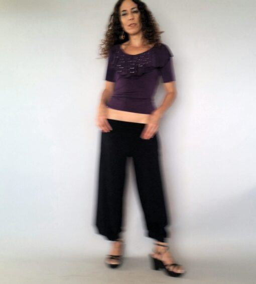 חולצת וולנים סגולה עם פייטים