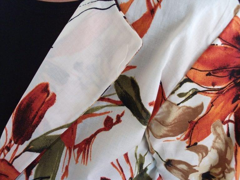 הדפס ג'קט קל פרחוני בצבע אופוויט