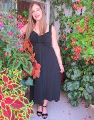 שמלה שחורה עם כתפיות