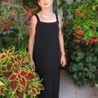 שמלה שחורה עם כתפיות למבוגרות