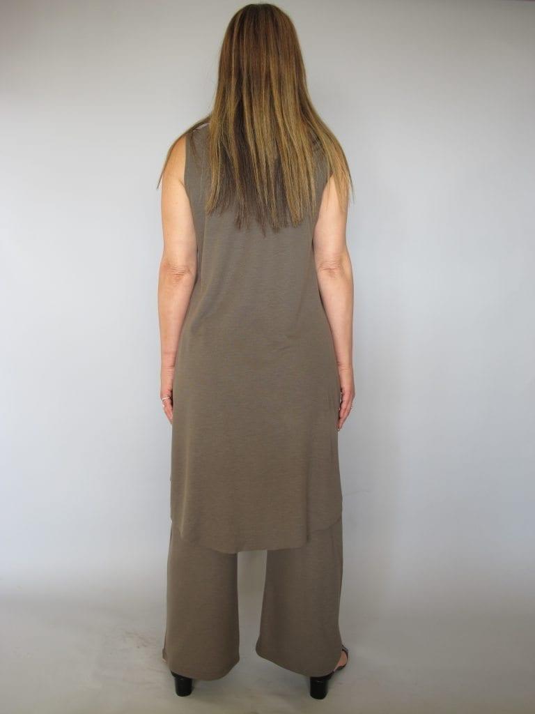 חליפת מכנסיים סריג אחורי