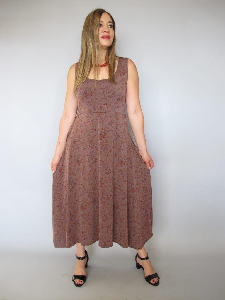 שמלה עלמא חום פרחים