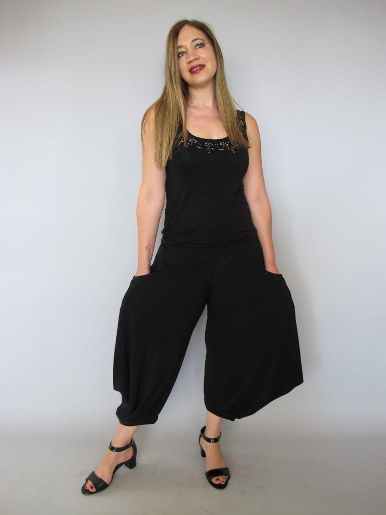 מכנסי שרוול בצבע שחור