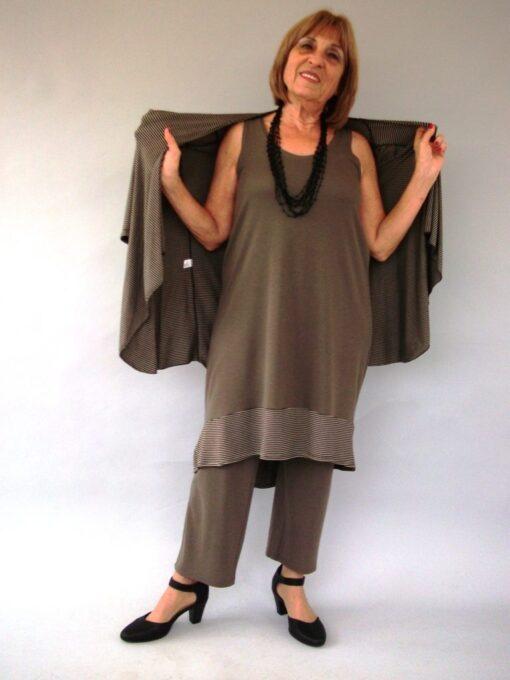 חליפת מכנסיים סריג עם עליונית חום זית
