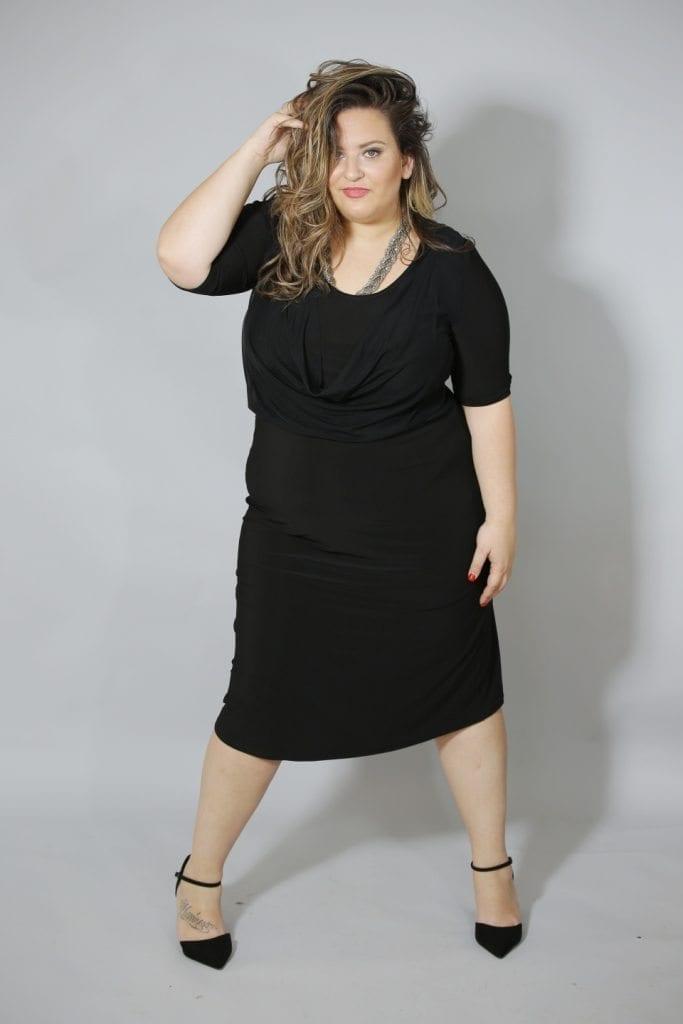 שמלת רבידה בצבע שחור